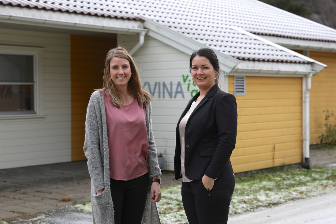 KVINESDAL 2 Miriam Næset og Torhild Kvinlaug.jpg