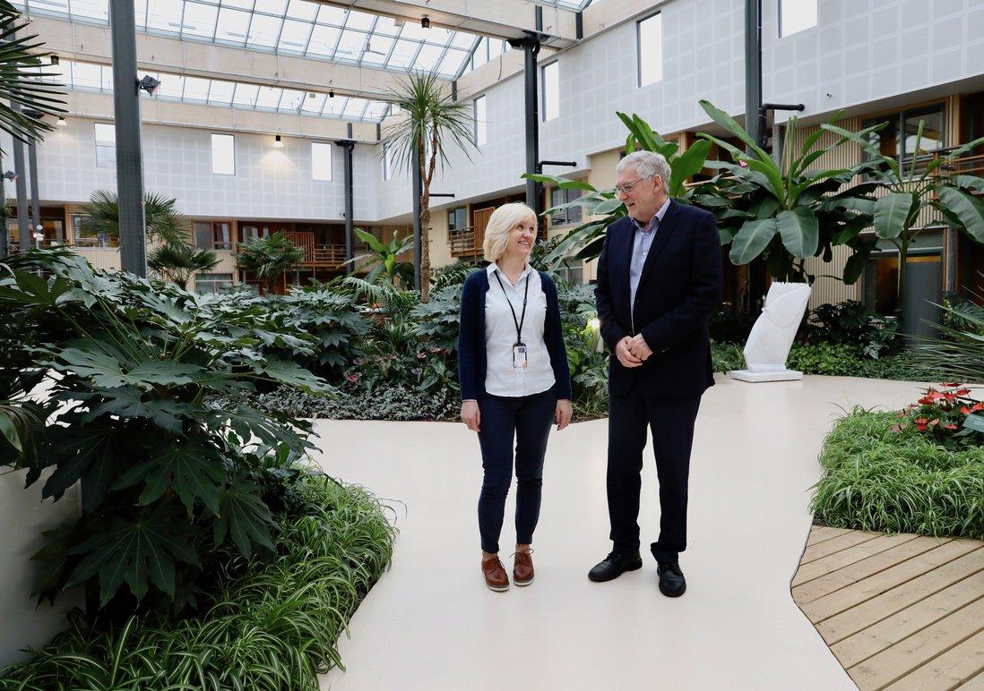 OS. Hovedbilde. Enhetsleder Aud Winsents og prosjektleder Tor Inge Døsen-kopi.jpg