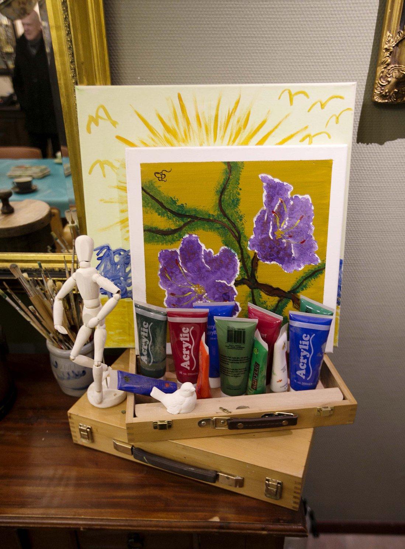 malerier på et bord